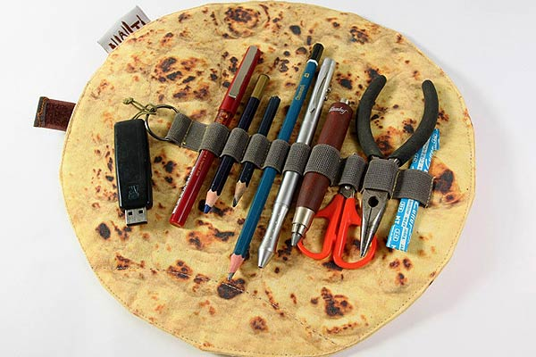 Flat-Bread Pencil Case Holder