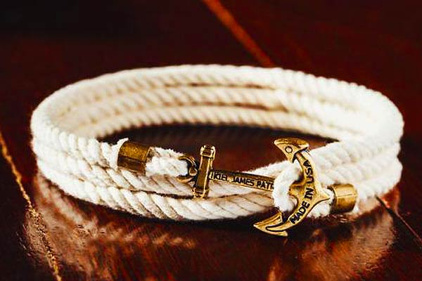 Lanyard Hitch Cord Bracelet on table
