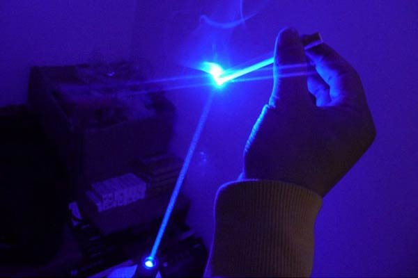 High-Intensity Laser Pen